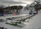 k-Schwarze-Skier_Wechselstation2YourSki.ru_Kostrov.jpg